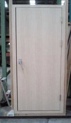 0.8 DOOR