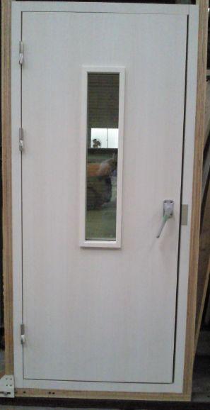 L DOOR
