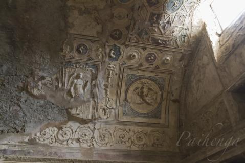 彫刻ビッシリ