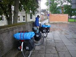 810カウナスの教会前でまた雨に降られる_サイズ変更
