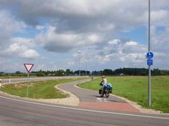 18キレイな自転車道も現れた_サイズ変更