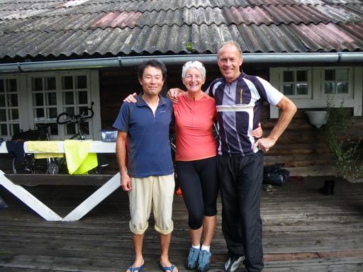 24キャンプ場で会ったオランダ人夫婦_サイズ変更