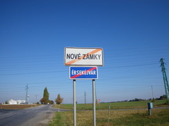 22スロバキア名とハンガリー名が標示してある_サイズ変更