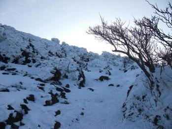 雪の韓国岳 018