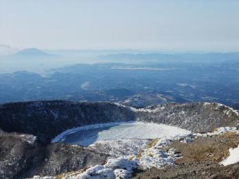 雪の韓国岳 046