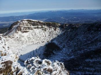 雪の韓国岳 049
