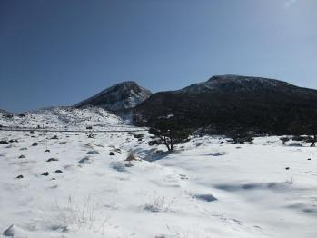 雪の韓国岳 086