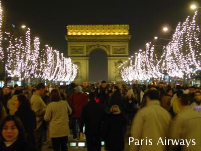 パリ シャンゼリゼ 大晦日