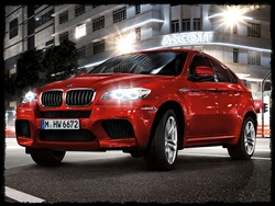 01_bmw_x6m_wallpaper_1600x1200.jpg