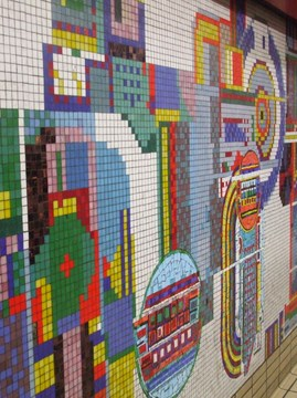 Tottenham_Court_Road_stn_Central_mosaic[1]