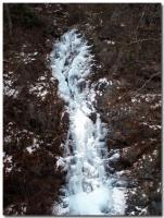 滝も凍る-1-