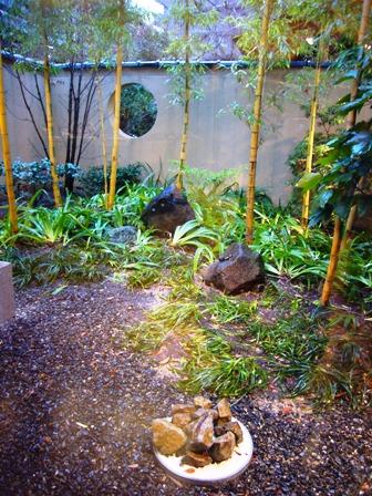 がんこ雨の庭