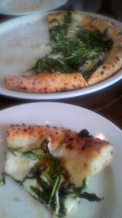 アンチョビとセルバチコのピッツァ