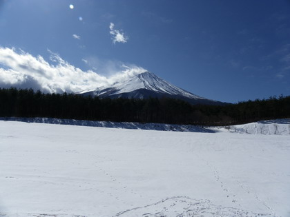 富士山と足跡