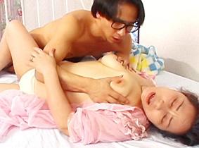 【無修正】 三田涼子 痴女お婆ちゃんがマンコを舐めてもらう禁断の関係