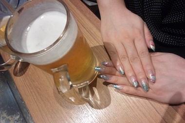 ネイルとビール