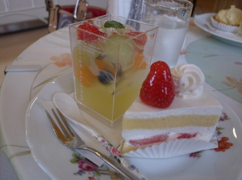 トア・ルージュ、ケーキ1 (2)
