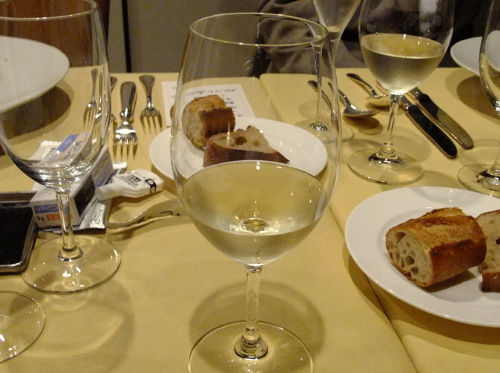 トモ白ワイン1 (2)