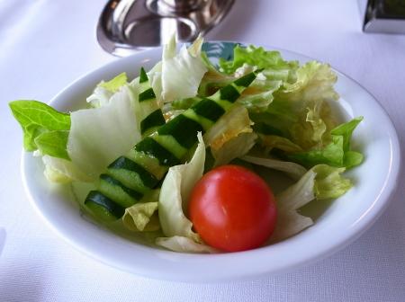 赤観昼食サラダ