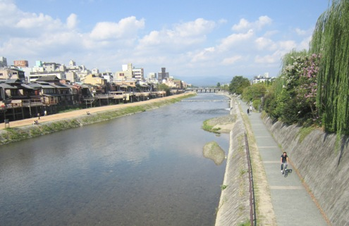 10)この川を北にたどるとおうちへ帰れます