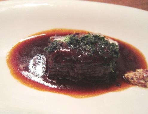 16)ビーフの赤ワイン煮込み