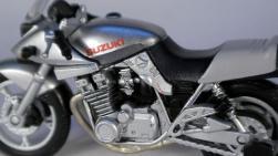 SUZUKI GSX1100S KATANA (11)