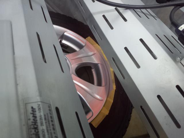 シルバーホイール 15インチ リムのガリ傷修理