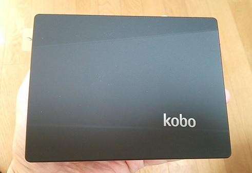 楽天kobo aura背面のラバー
