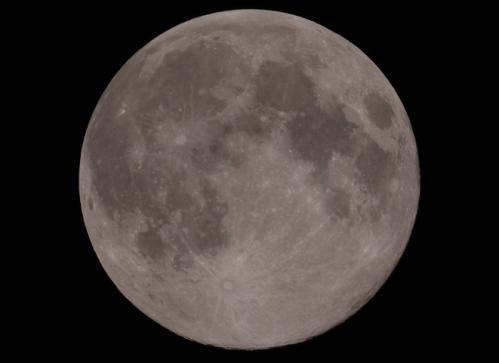 2011年9月12日 中秋 十五夜で満月
