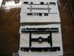 原型と粘土との間にゴムが流れている・・・