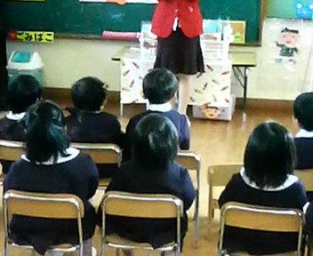 進級式後の教室の様子