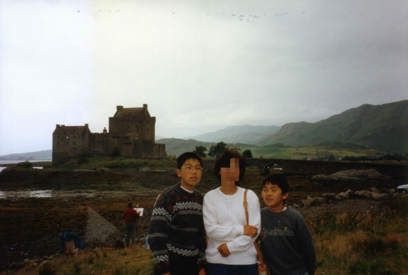 0595スコットランドの海辺の城000102_copy