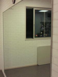 大型ミラー完備  簡易レンタルルーム  IMANO