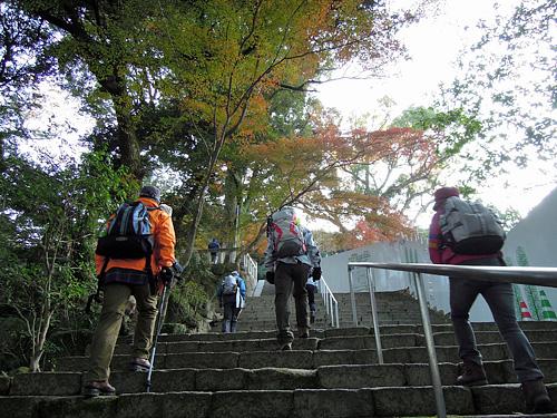 2011・11・26竈神社の階段