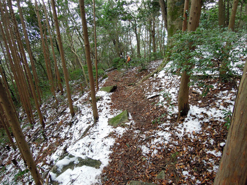 雪の頭巾山