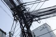 カオスな電線