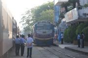 DIÊU TRÌ駅での機関車交換