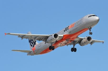 JetStarA321-JQ711.jpg