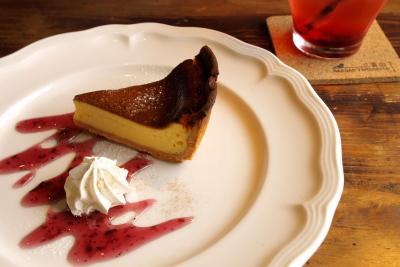 ケーキセット(チーズケーキ&ストロベリージュース)@三番山下