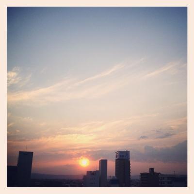 日食中の北の空