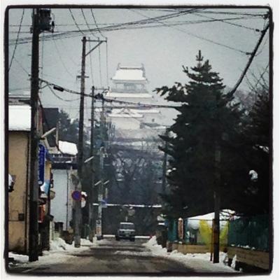 鶴ヶ城(福島県立 若松商業高等学校付近より)