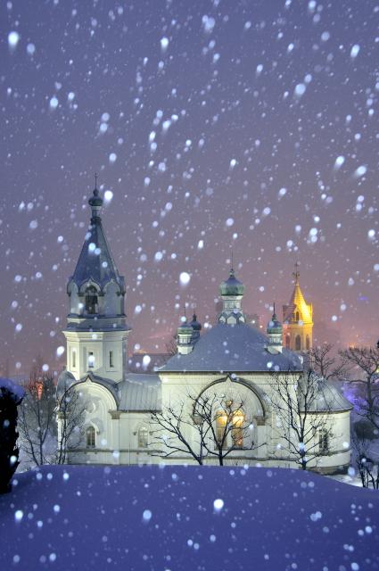 080.雪舞う夜の元町