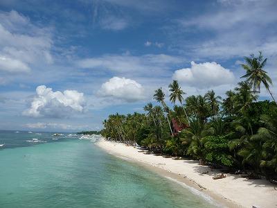 セブ島の隣、ボホール島のアロナビーチ