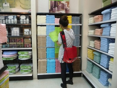 セブの英語学校の新学生さん、AYALAショッピングモールへ