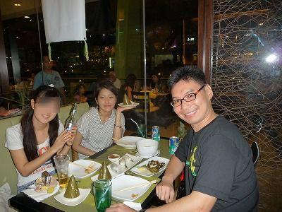 セブの英語学校の新学生さんと、AYALAのレストランで食事