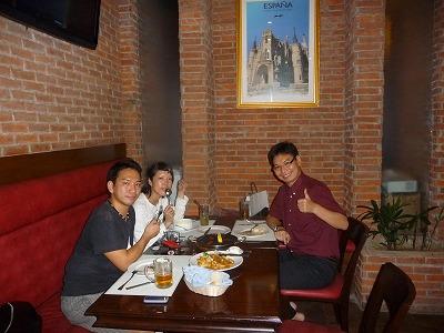 新学生さんと、セブAYALAのスペインレストラン「オーラエスパーニャ」へ