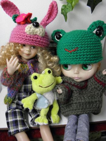 P2010127_convert_20140202124412ウサギとカエル帽