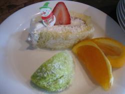 イチゴのせロール・オレンジ・抹茶アイス
