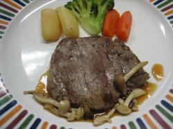 ステーキ 小さくてもいいので柔らかいものを、とのご希望でした。