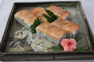 ビワマス押し寿司